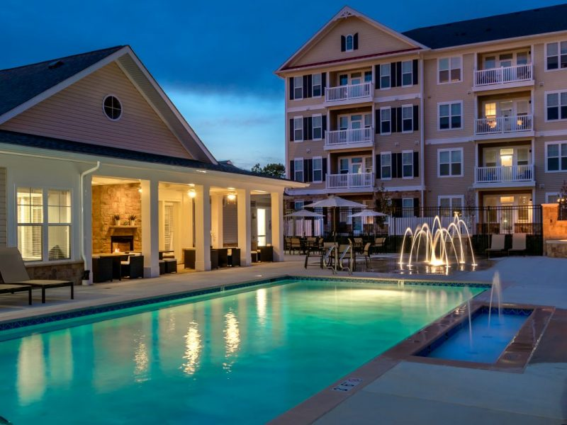 TGM Creekside Village Apartments Resort-style Pool